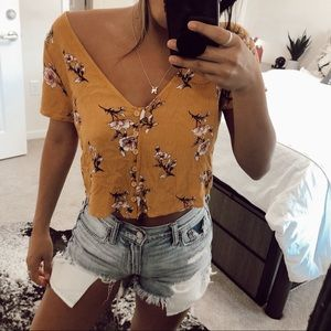 Forever 21 Tops - floral button down crop